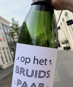 wijnetiket bruiloft bubbels op een fles bubbels