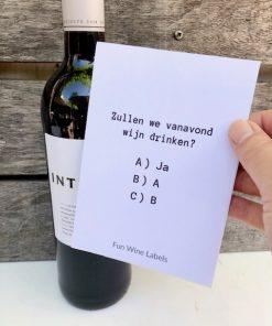Fles rode wijn intense d'Oc Frankrijk met grappig wijnetiket