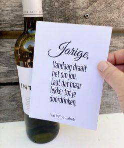 Fles witte wijn opsturen met een grappig wijnetiket