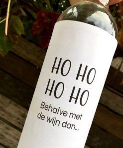 wijnetiket ho ho op een fles wijn