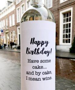 Wijnetiket Happy Birthday op fles wijn