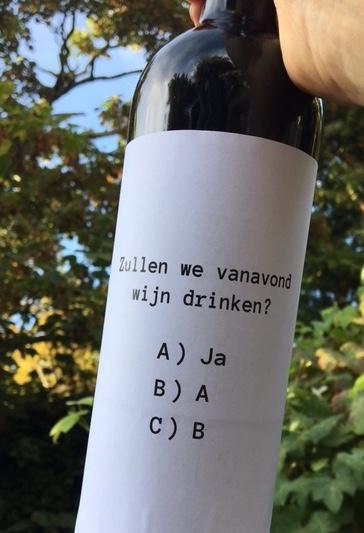 Wijnetiket Wijn Drinken op fles wijn