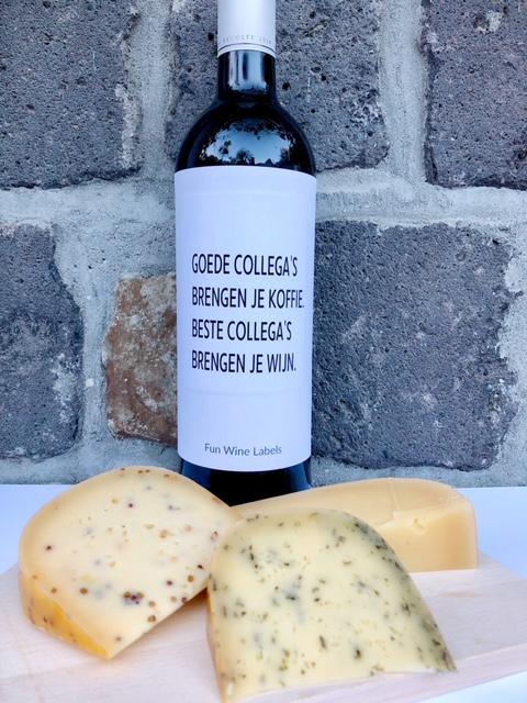 thuis borrelpakket cheese voor een digitale borrel met vrienden en familie