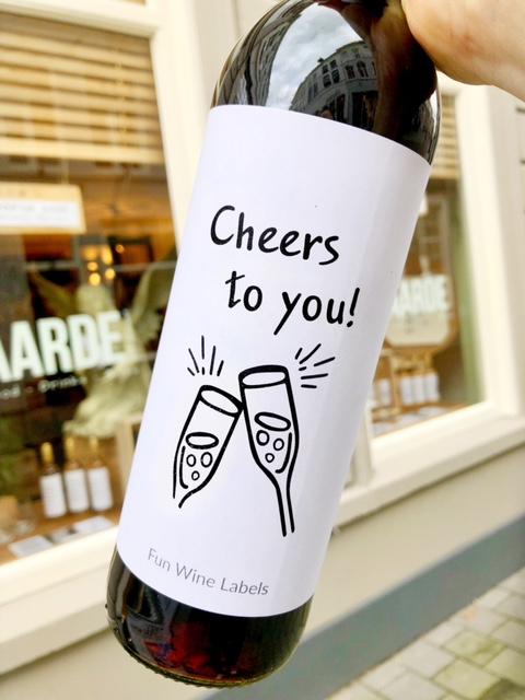 wijnetiket cheers to you is voor elke gelegenheid
