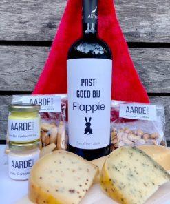 kerstborrel pakket maxi met een fles rode wijn en humor