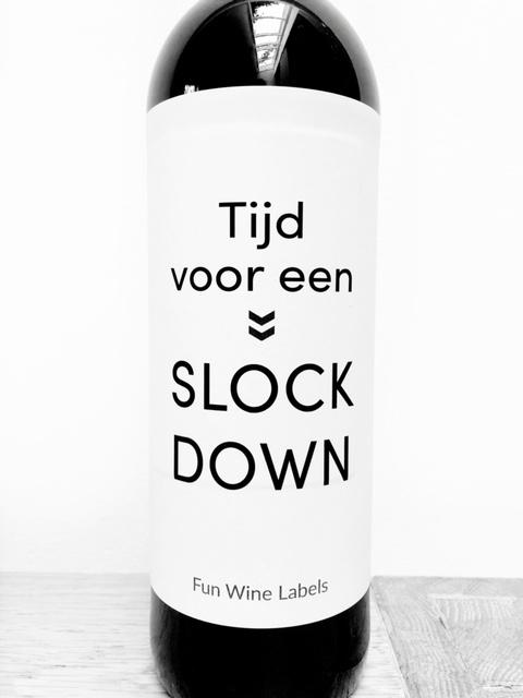 Wijnetiket Slock Down, maakt van je digitale borrel een feest