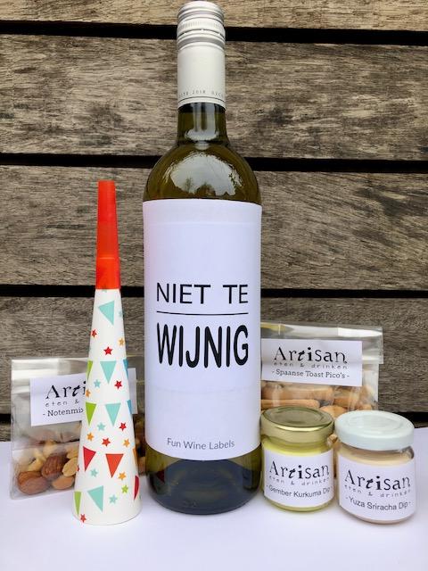 Nieuwjaars borrelbox mini met fles wijn