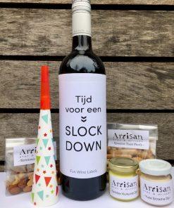 Nieuwjaars borrelbox mini met lekkere hapjes en wijn