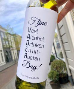 wijnetiket vaderdag op een fles wijn